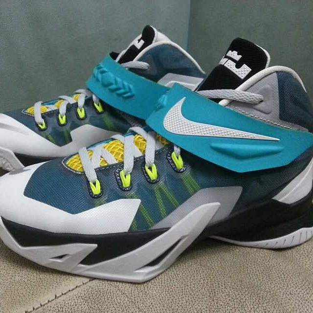 b52a4641c5c Nike LeBron Zoom Soldier 8 White Blue-Yellow-Black (1)