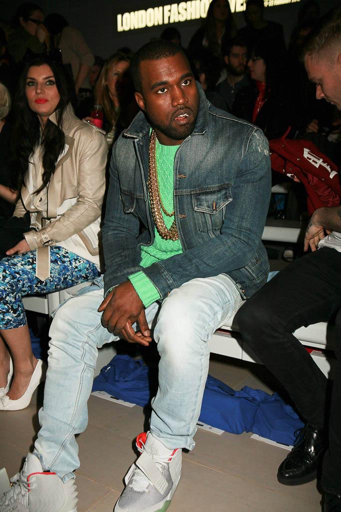 da9defb0256e Closer Look    Kanye West Wearing