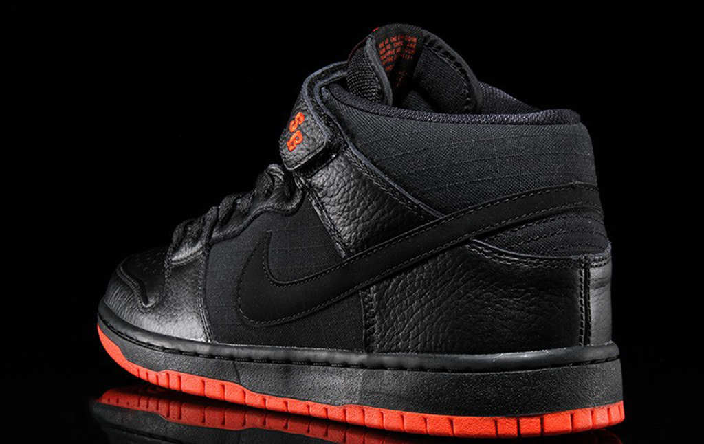 online store ada75 66ccd Nike SB Dunk Mid Pro 'Halloween' | Sole Collector
