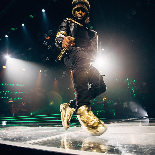 Usher wearing Air Jordan III 3 Gold