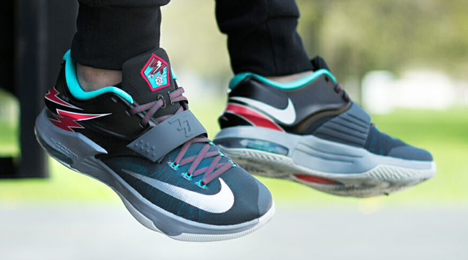 see how the nike kd 7 thunder bolt looks on feet sole collector