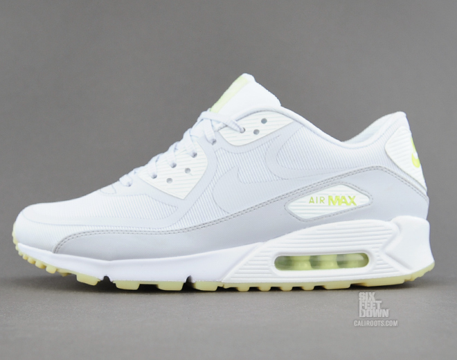 Nike Air Max 90 CMFT PRM glow in the dark profile