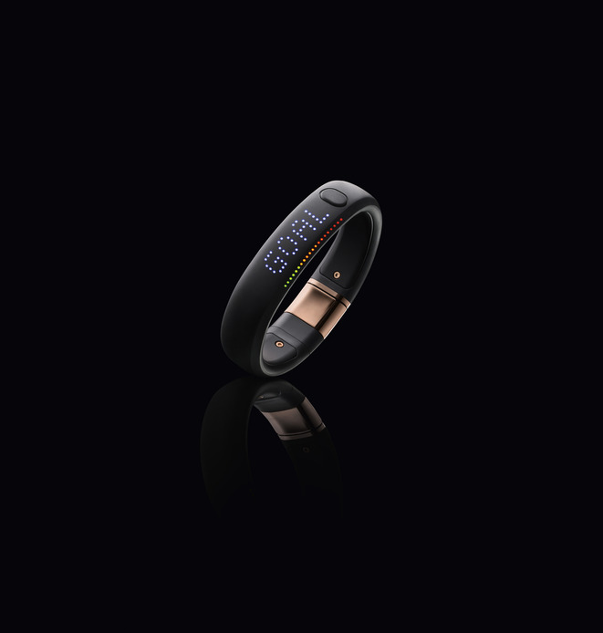 Nike+ FuelBand SE METALUXE Rose Gold display