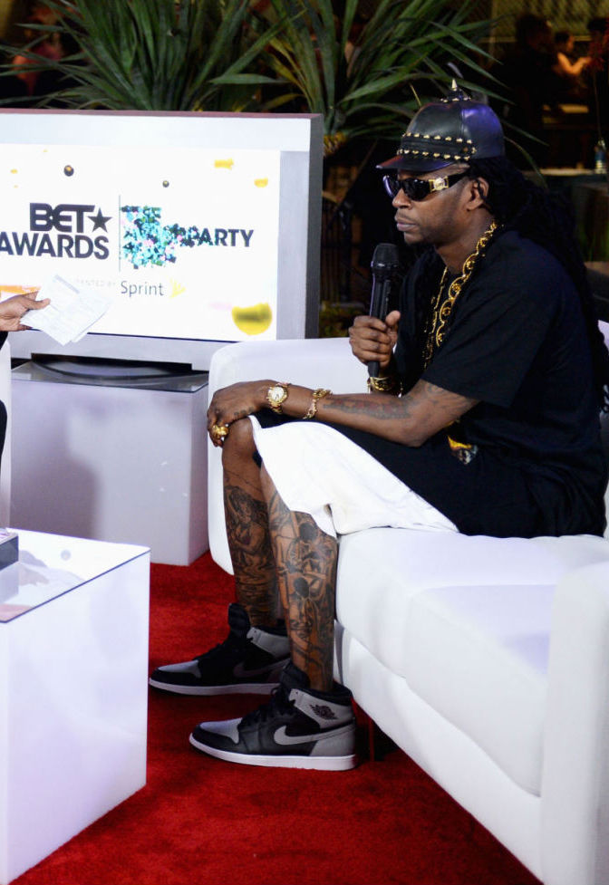 2 Chainz wearing Air Jordan I 1 Retro High OG Black Grey