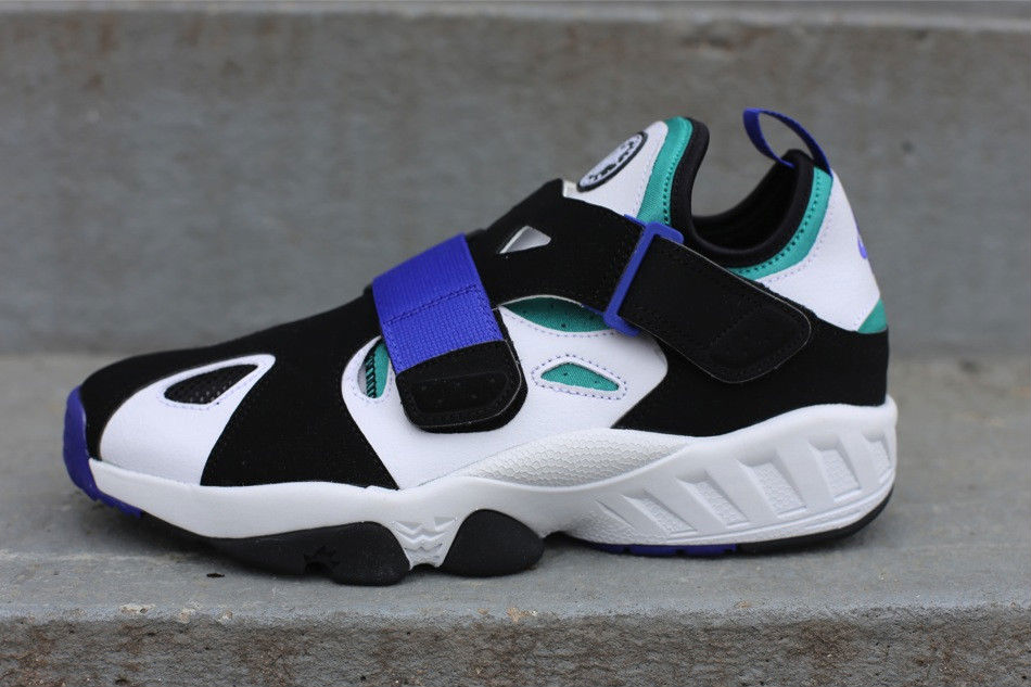 free shipping de4dc 68346 Nike Air Trainer Huarache 94 White Lapis Black 554991-100 (1)