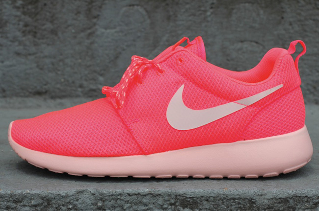 promo code d29df 2ab29 The Roshe Run by Nike Sportswear will continue it s successful debut with  this all new eye-catching colorway for the ladies.