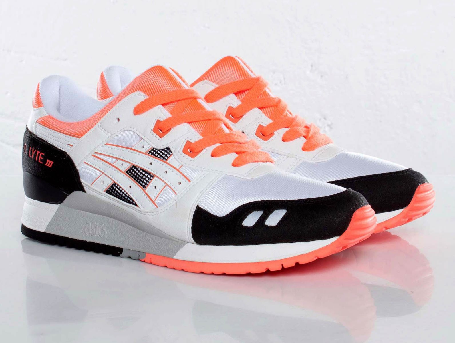 asics gel lyte iii white/black-infrared