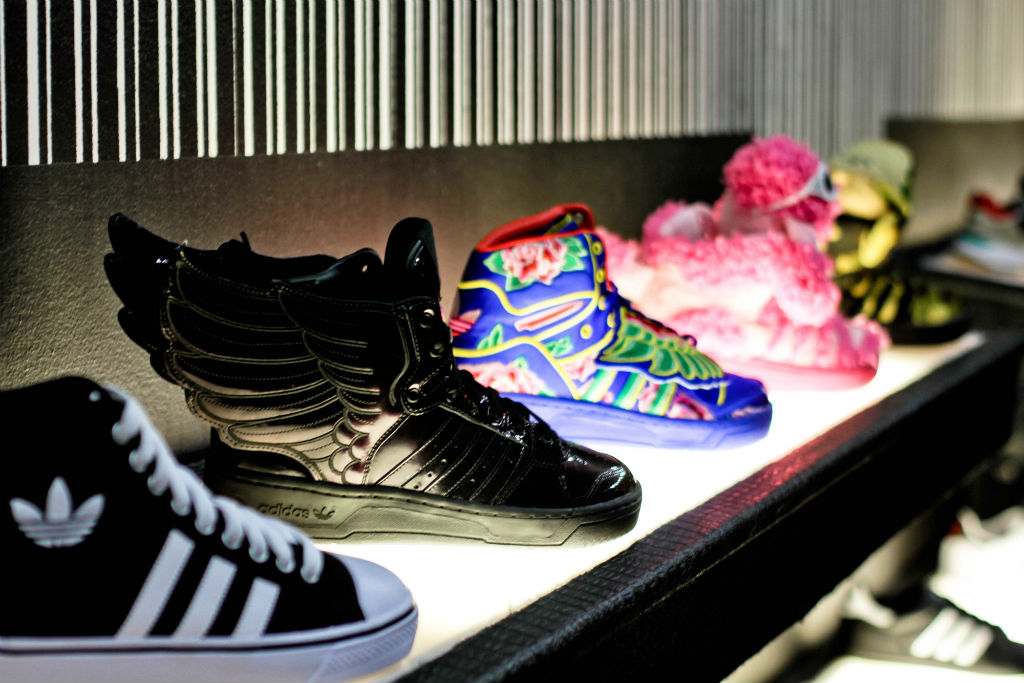 1de3add292b0 Eason Chan x adidas Originals Jeremy Scott Wings CNY Premium Goods Launch  Event (3)