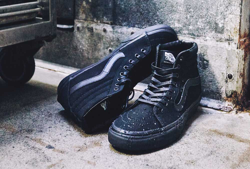 black slip resistant shoes vans