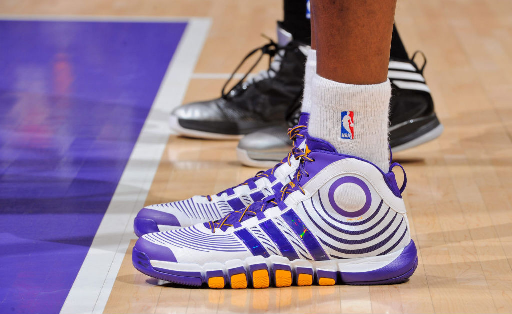 Close-Up // Dwight Howard wearing adidas D Howard 4 Lakers Home