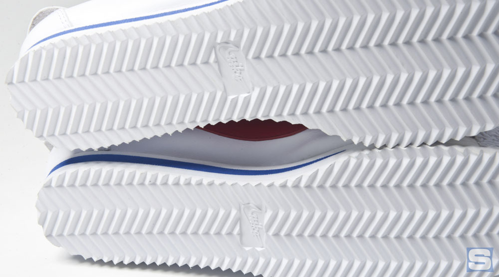 newest f06f0 7258f ... of the cushioning was Bowermans decision to highlight the different  densities in the midsole with a streak of color, an early sign of Nikes  keen eye ...