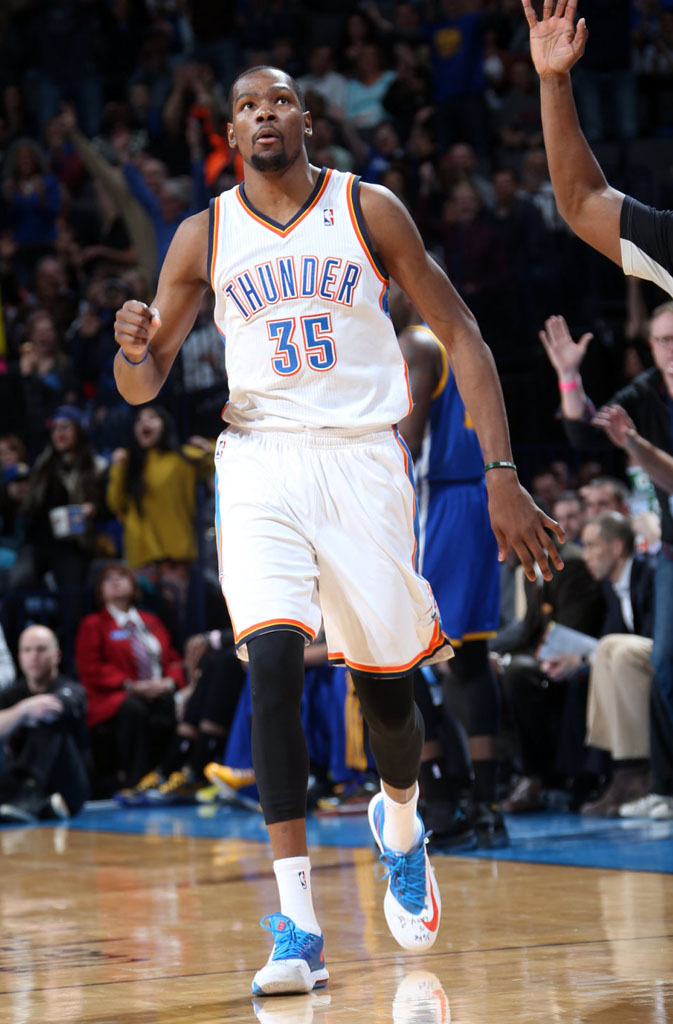 Kevin Durant Scores 54 Points in Nike KD 6 'Home' PE (2)