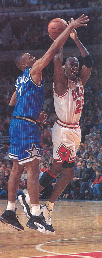 Michael Jordan wearing Air Jordan XI 11 Concord (39)