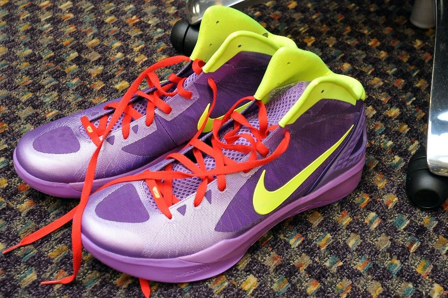 1e420cd8f10f Nike Zoom Hyperdunk 2011 - Pau Gasol Christmas Player Exclusive ...