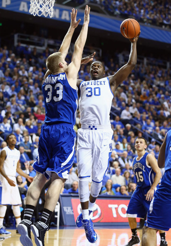 Julius Randle Makes Kentucky Debut in Nike LeBron 11 PE (4)
