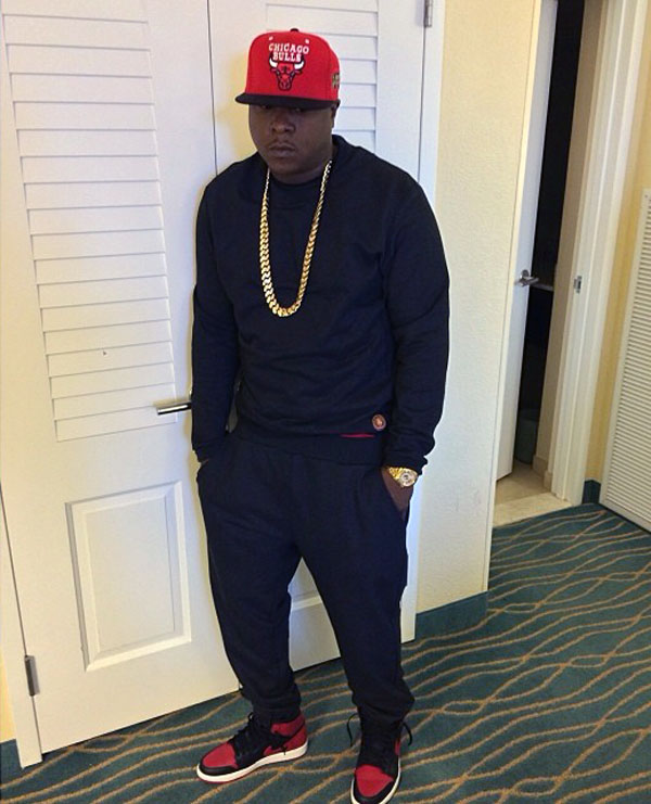 Jadakiss wearing Air Jordan 1 Retro Bred