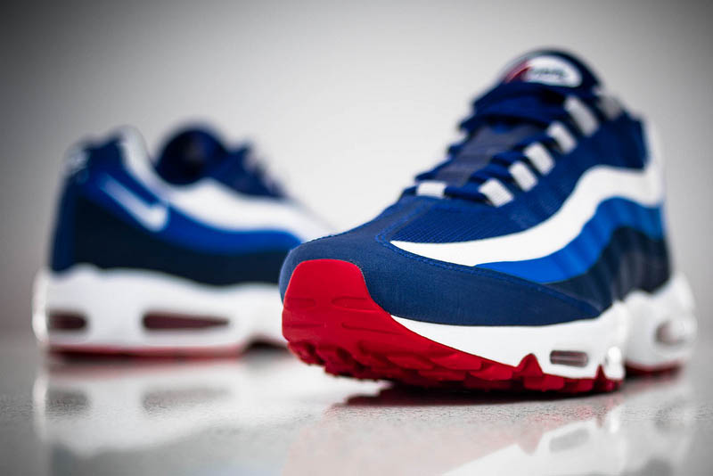 the latest d3ea8 79ecd Nike Air Max 95 No-Sew New York Giants Draft Pack (1)