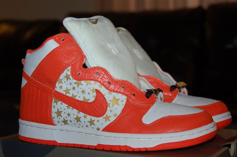 Spotlight // Pickups of the Week 5.12.13 - Nike SB Dunk High Orange Supreme by theSYNDICATE