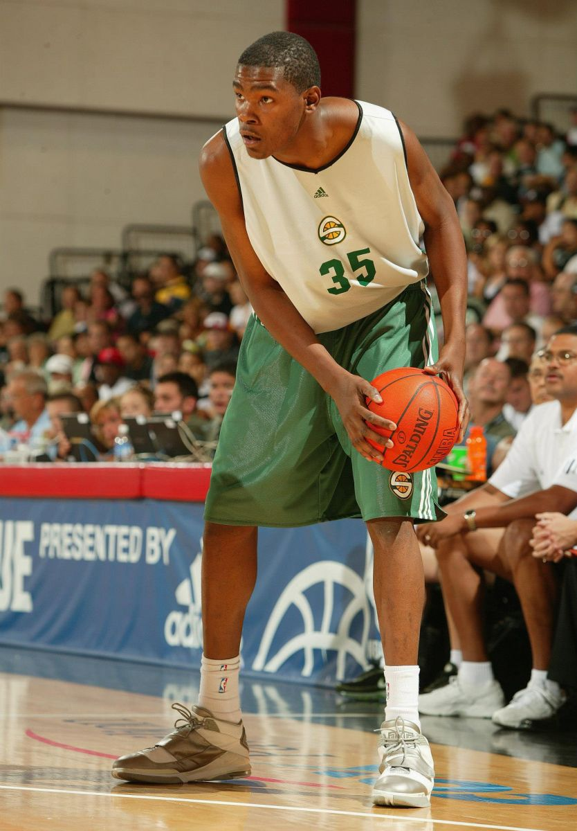 Kevin Durant wearing Nike Air Max Enforcer