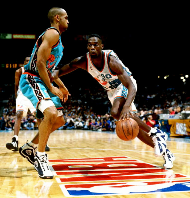Flashback    Shawn Kemp in the 1996 All Star Game Wearing the Kamikaze II 90e3ab731