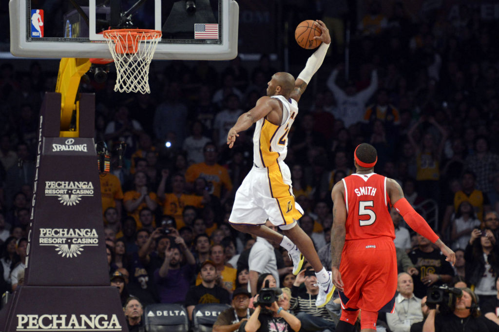 sale retailer 2539f 6b09e Kobe Bryant Posterizes Josh Smith In Nike Kobe 8 System (6)