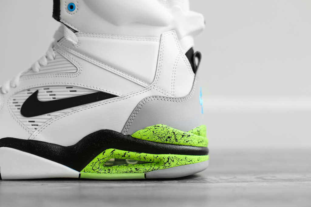 Nike Air Command Force WhiteWolf Grey Volt Black | Sole