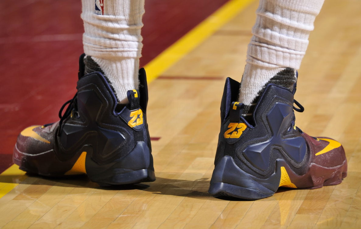 LeBron James Nike LeBron 13 Cavs Gradient PE (5)