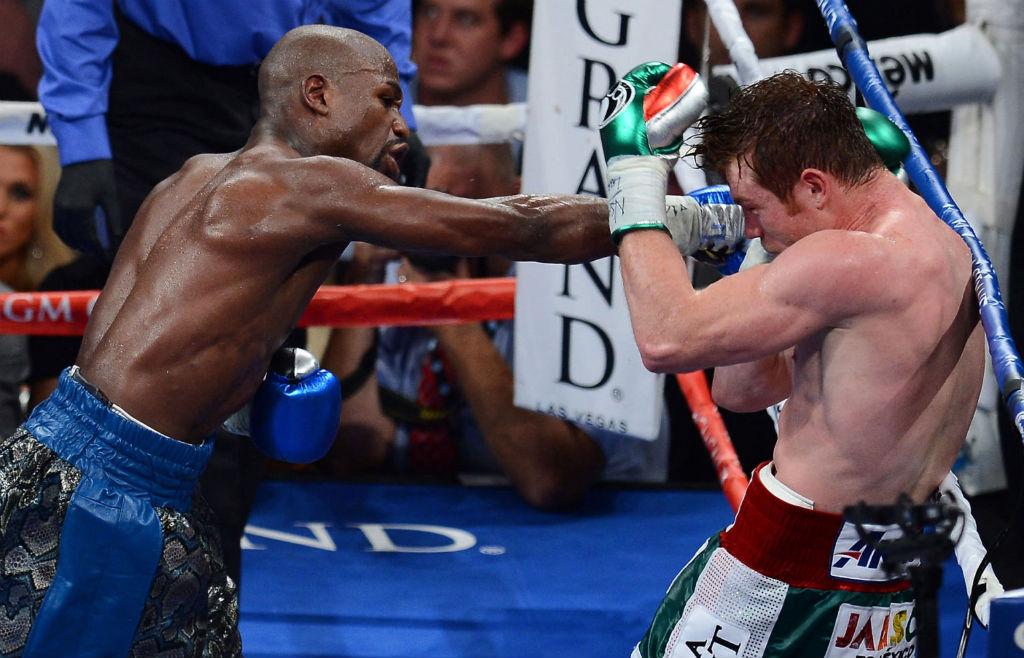 Floyd Mayweather Moves To 45-0 With Decision Over Canelo Alvarez (5)