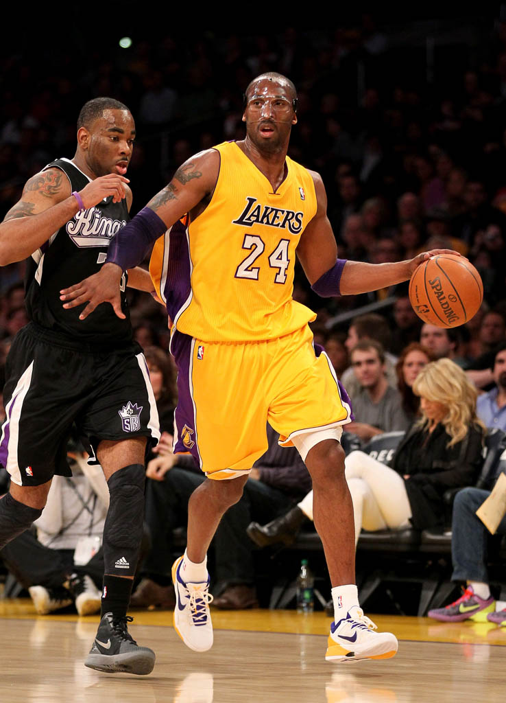 Kobe Bryant wearing Nike Kobe VII 7 Lakers Home (1)