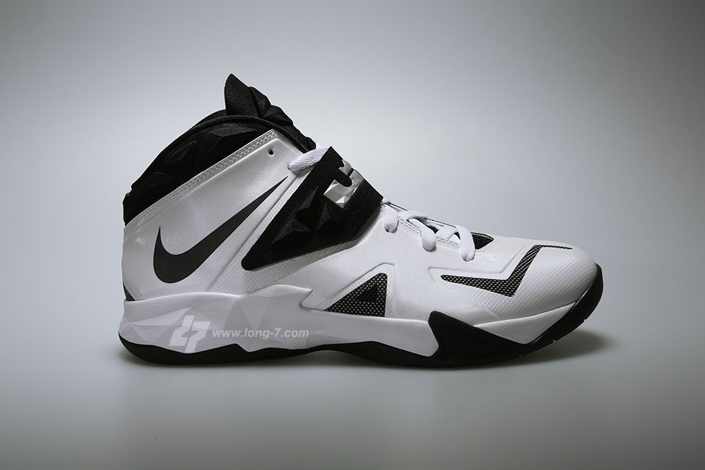 Nike Zoom Soldier VII 7 White/Black-Metallic Silver (1)