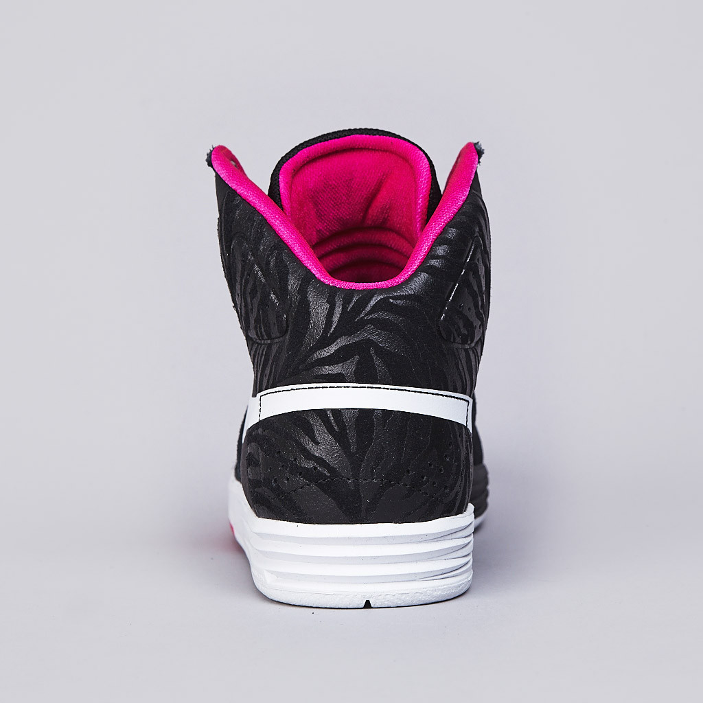 Nike SB PRod 7 High in Black White and Pink Foil heel detail