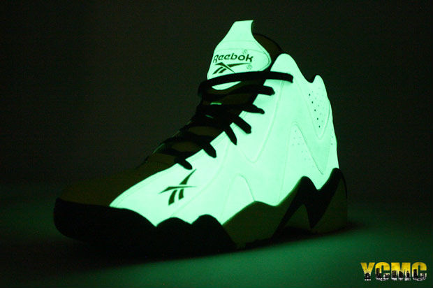 Reebok Kamikaze II 2 Glow In The Dark Yellow Black V51846 (6) c101b5a87