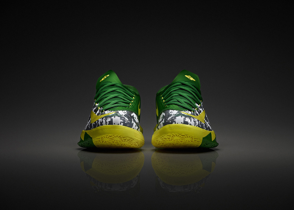 Nike KD VI Oregon Duck Armed Forces Classic Team Exclusive