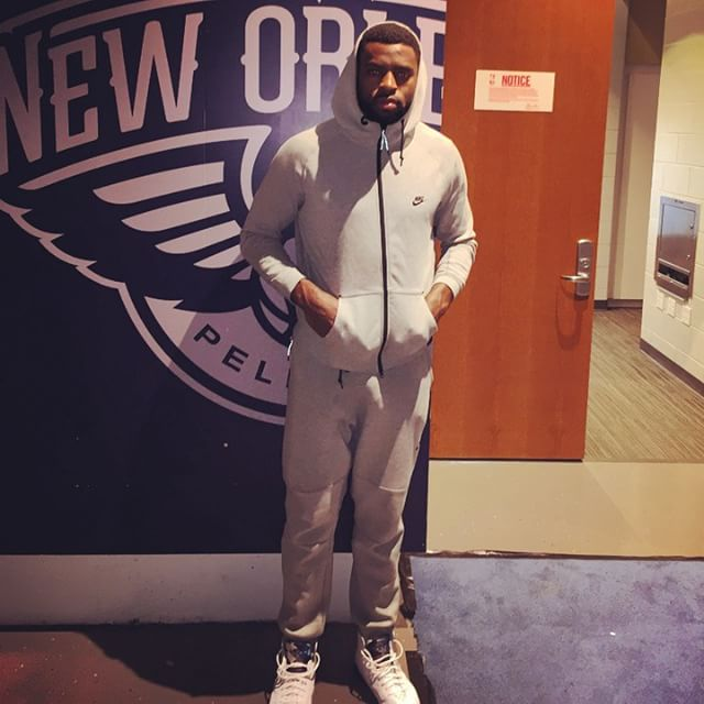 Tyreke Evans wearing Air Jordan VII 7 French Blue