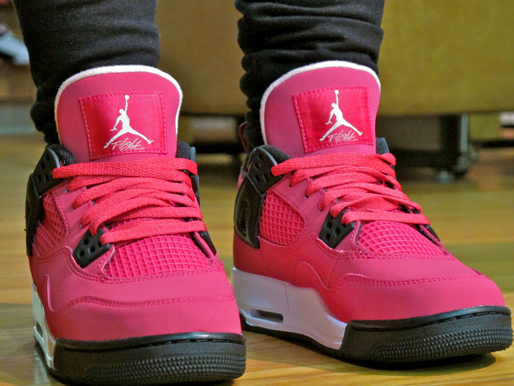 huge discount 3033e 2a055 Air Jordan Retro 4 GS - Voltage Cherry White-Black
