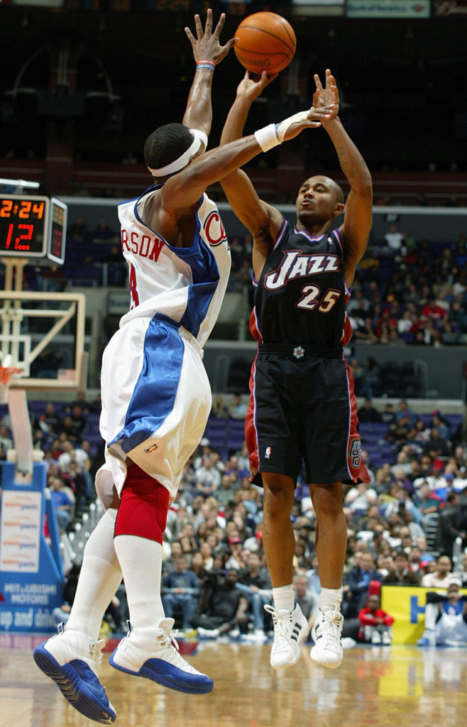 Quentin Richardson wearing Air Jordan XII 12 Los Angeles Clippers Home PE