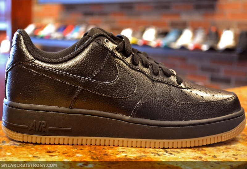 wholesale dealer 1459e 6293b Nike Air Force 1 Low - Black Gum