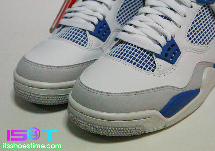 4d6c43a318560f ... new style air jordan 4 retro military blue detailed look 2983e 3c966