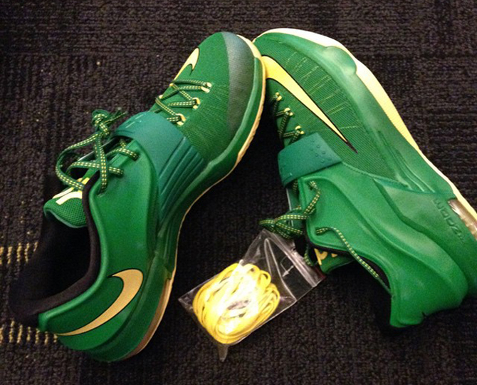 0115965993ca ... manager rather than strictly through Nike. See the full photo below  courtesy of Oregon athlete Joe Young and tell us what you think of the KD 7