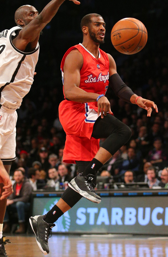 Chris Paul wearing Jordan CP3.VIII BHM (1)