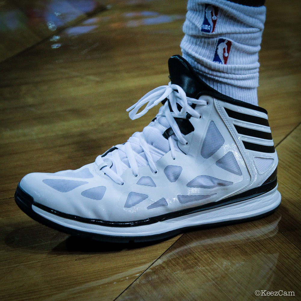SoleWatch // Up Close At Barclays for Nets vs Lakers - Reggie Evans wearing adidas Crazy Shadow 2