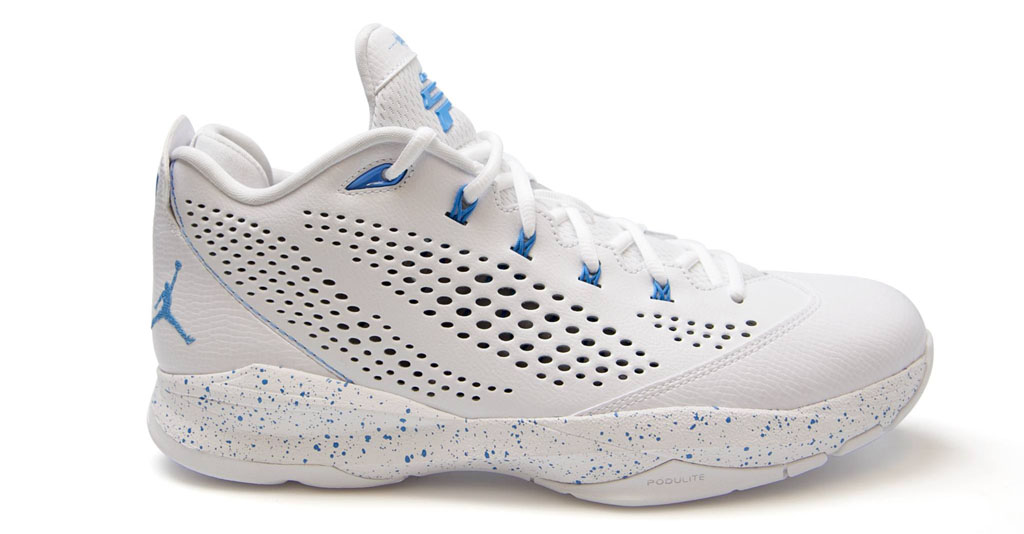 Jordan CP3.7 North Carolina Tar Heels PE (2)
