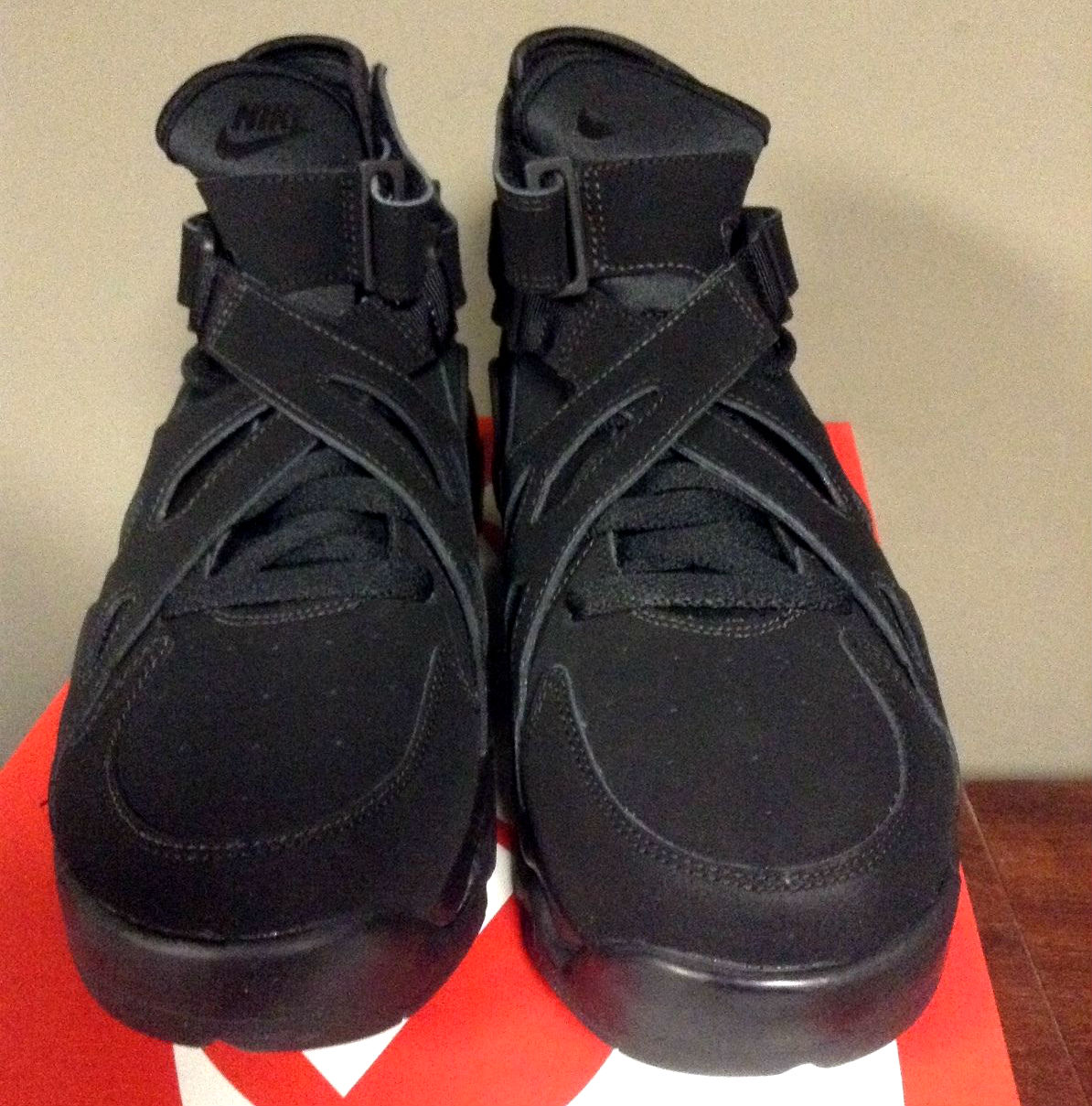 Nike Air Unlimited Black Front 889013-002