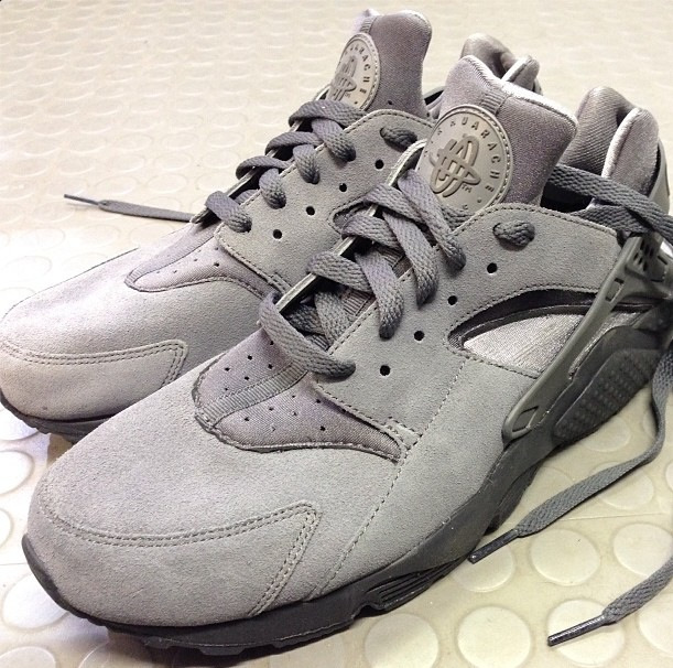 Air Huaraches Grey