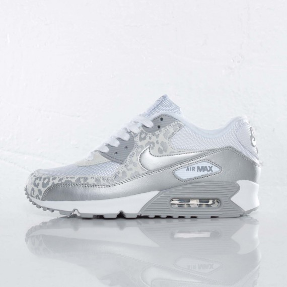 75c6c11400a nike air max white silver cheap   OFF51% The Largest Catalog Discounts