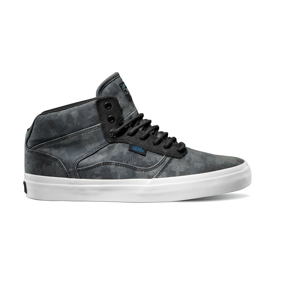 4189e65a421ceb The HyperStealth x Vans OTW Camo pack arrives this month at OTW retaliers.  Take a closer look at the pack below