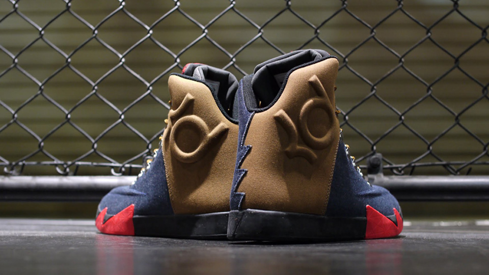 Nike KD VI NSW Lifestyle Peoples Champ heel
