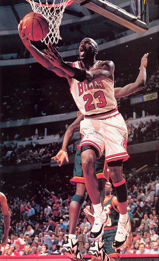 Michael Jordan wearing Air Jordan XI 11 Concord (41)