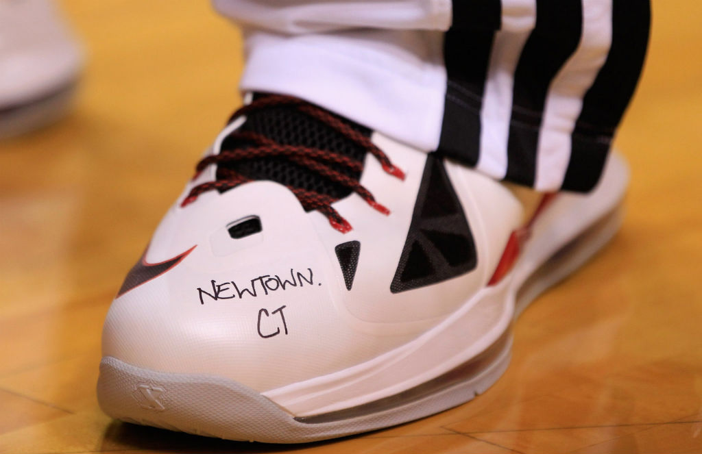LeBron James wearing Nike LeBron X Home PE for Newtown, Connecticut (1)