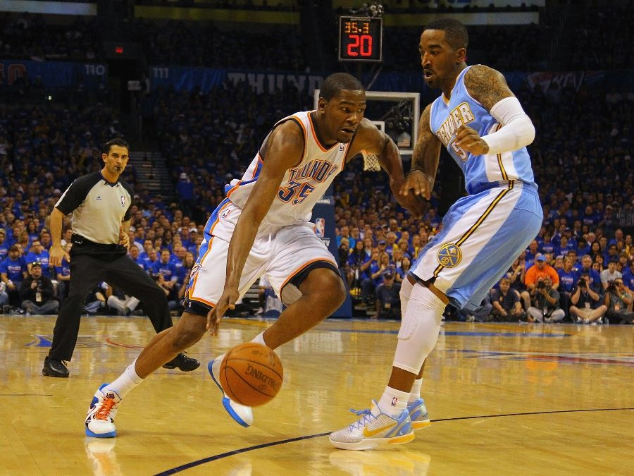 Earl Smith wearing the Nike Zoom Kobe VI iD